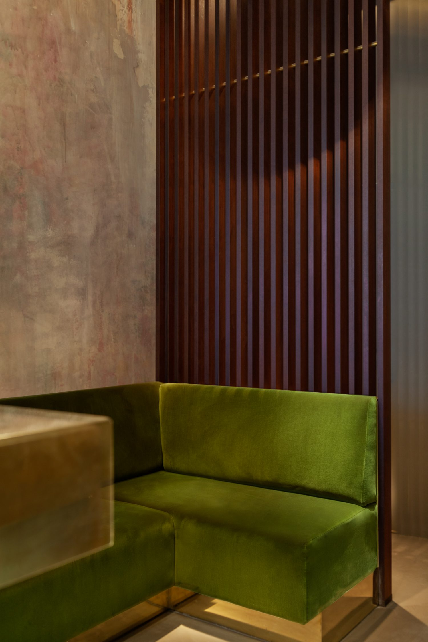 lindholz interior design polsterbank trennwand einbauten